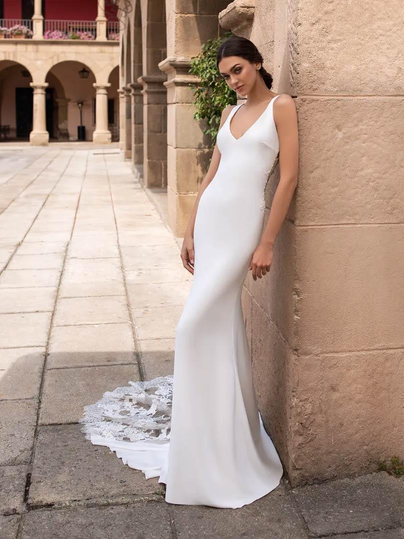 Pronovias Iocaste Wedding Dress