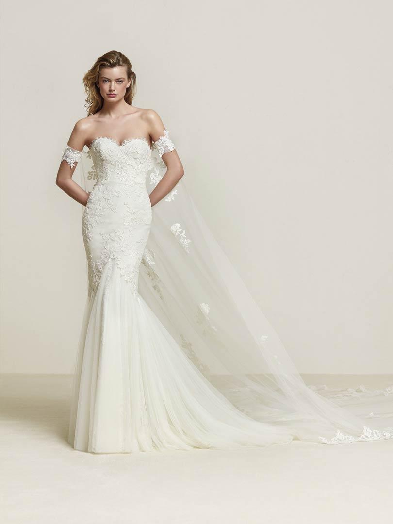 Pronovias Drimea Wedding Dress