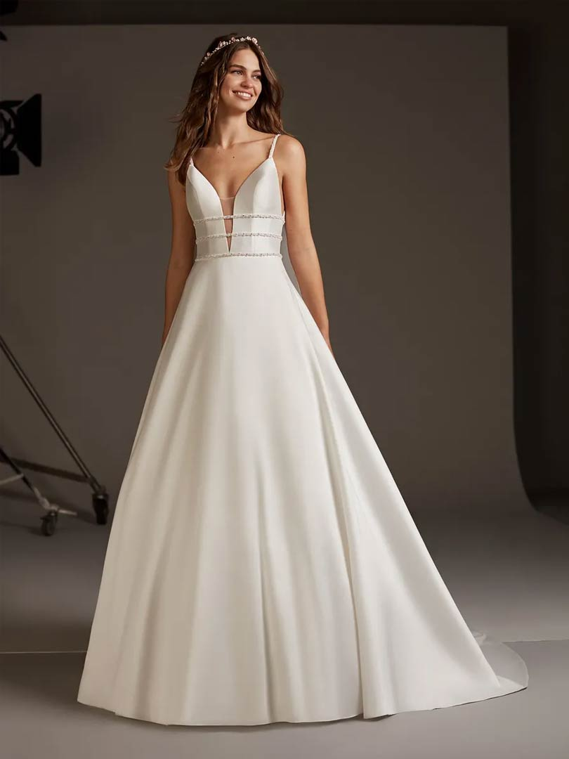 Pronovias Serpens Wedding Dress