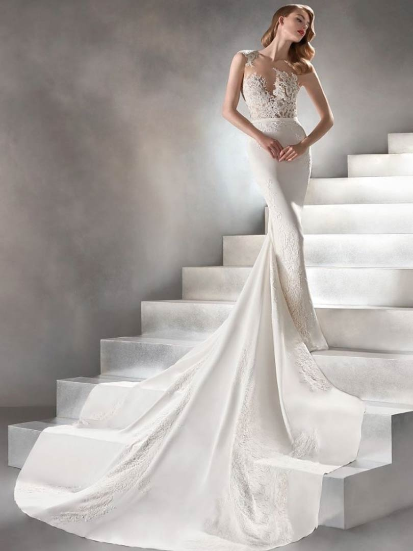 Pronovias Vincenta Atelier Wedding Dress
