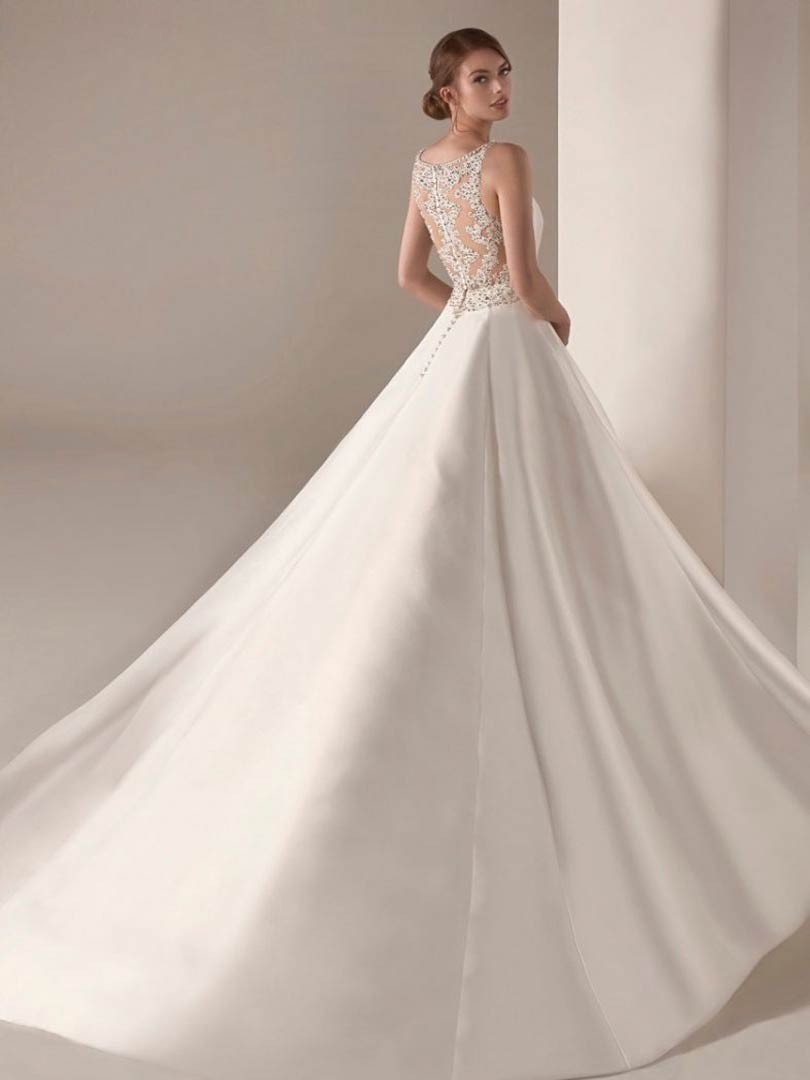 Pronovias Irlena Privee Wedding Dress