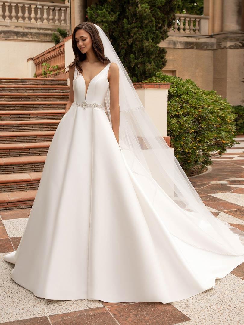 Pronovias Malena Wedding Dress