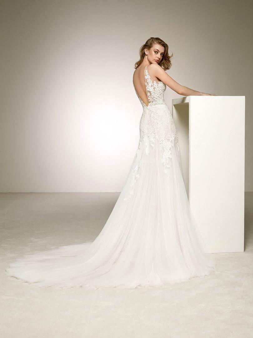 Pronovias Dama Wedding Dress
