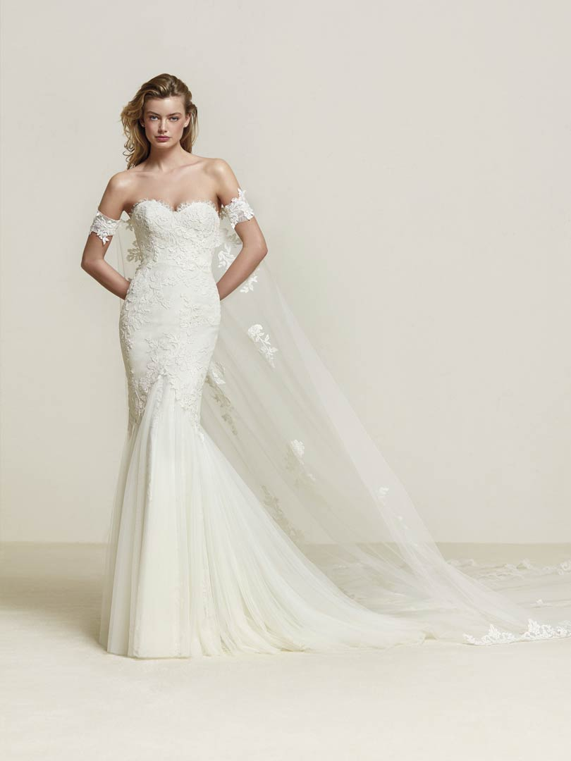 Pronovias Drimea Wedding Dress